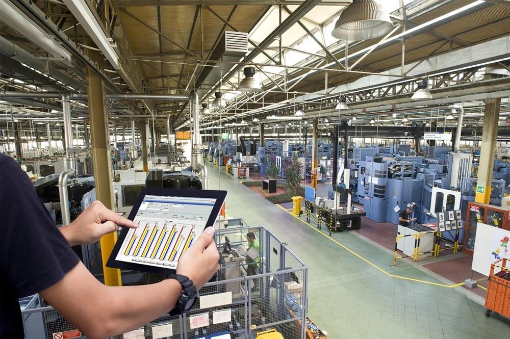lavoro fabbrica impiegati disoccupazione
